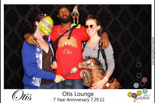 otis-lounge-Maiden-Lane-block-party